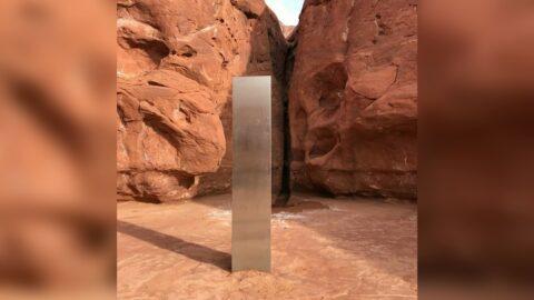Trovato un misterioso monolite nel deserto dello Utah